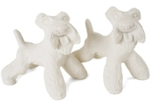 Picture of Airedale Terrier Handmade Unpainted Ceramics Mini Unpainted Cruet Set Unglazed