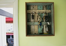 Picture of Rustic Beach Handmade Reclaimed Six Hooks Key Rack Antique Pastel