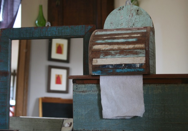 Picture of Rustic Beach Handmade Reclaimed Wall Mounted Toilet Roll Small Tissue Box Antique Pastel