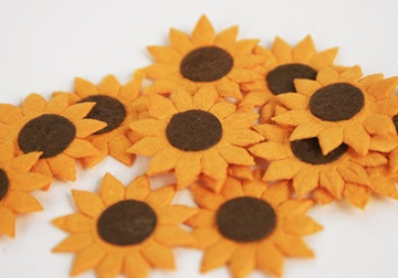 Picture of Scrappy Do Sunflower Mini Embellishment Yellow