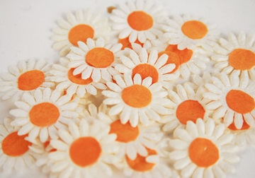 Picture of Scrappy Do Sunflower Mini Embellishment White And Orange
