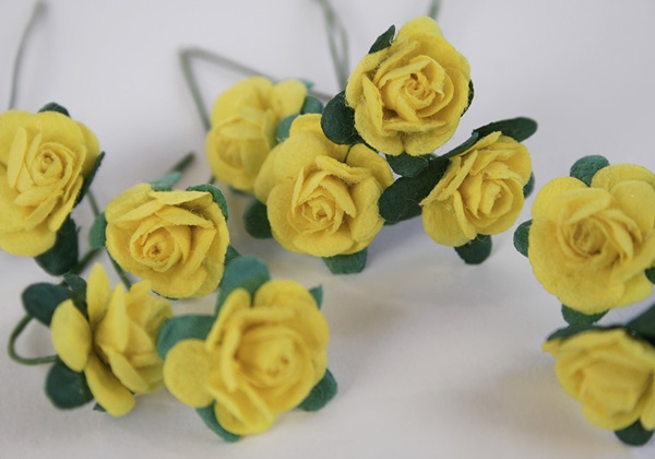 Picture of Scrappy Do Rose Blossom Small Embellishment Yellow