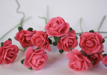 Picture of Scrappy Do Rose Blossom Small Embellishment Raspberry