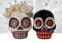 Picture of Skull Handmade Mini Cake Topper Rainbow Diamante