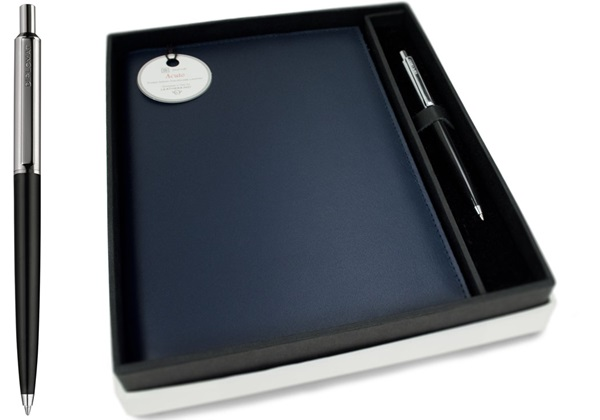 Picture of Acuto Handmade Italian Leather Bound A5 Refillable Journal Navy Plain Gift Set