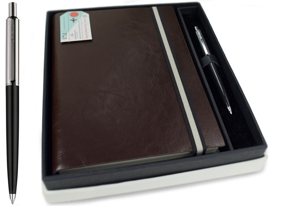 Picture of Journalista Handmade Recycled Leather A5 Band Refillable Journal Chocolate Gift Set