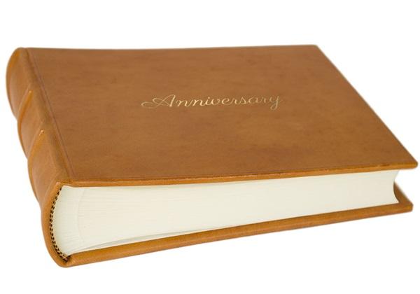 Picture of Chianti Handmade Italian Leather Bound Small Anniversary Photo Album Saddle Brown